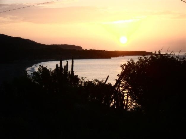 amanecer en playa Imías